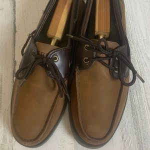 BROWN SPERRY MOCCASINS